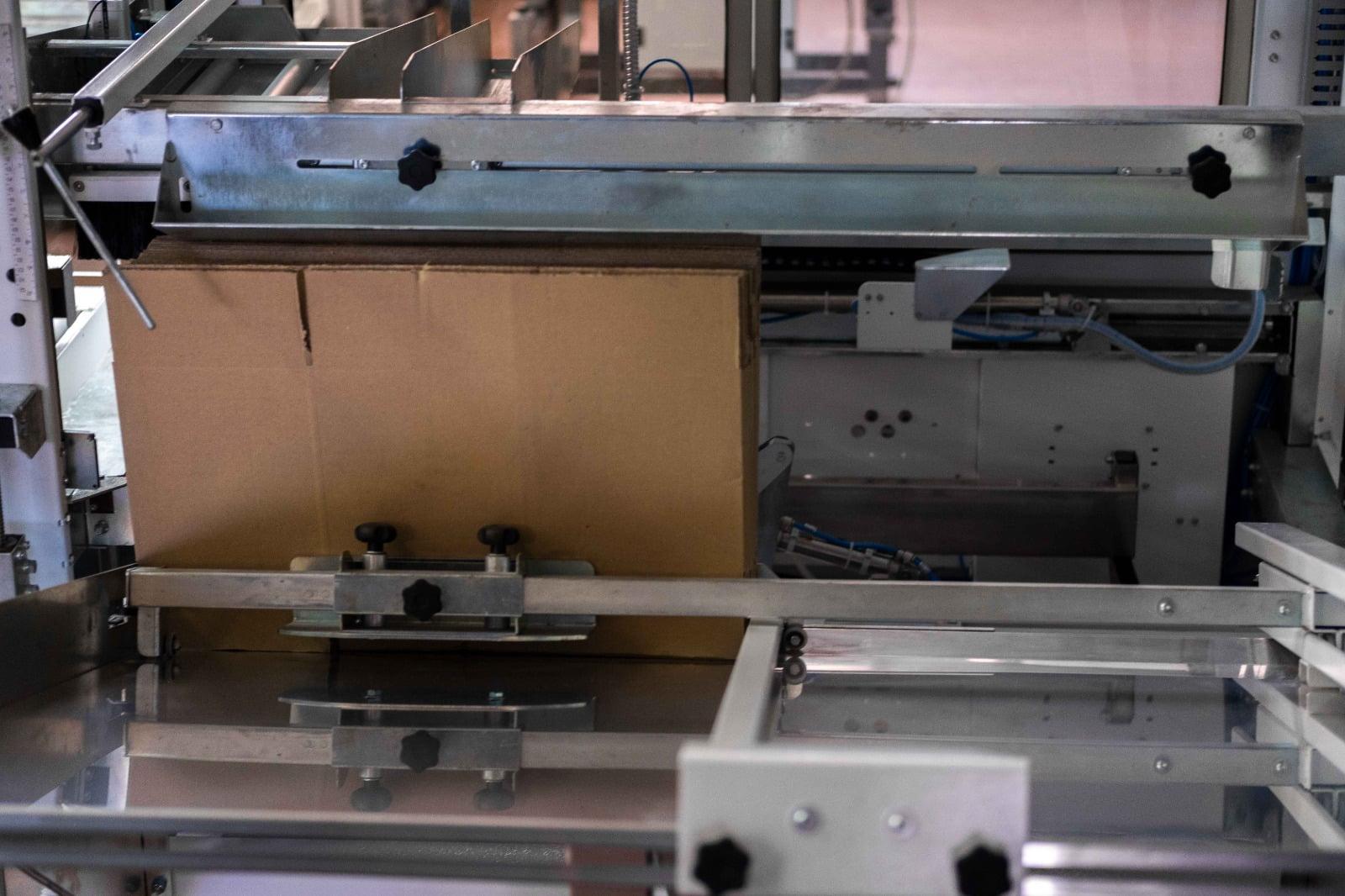 Formatore automatico di cartoni usato_Elena Marketti_2